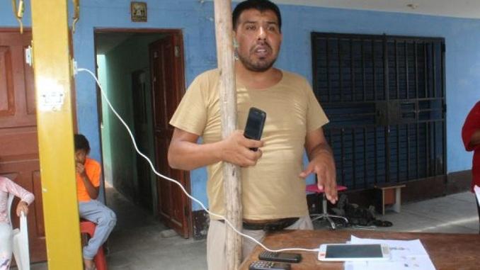percy chavez vasquez chimbote inventor de poste solar para cargar celular